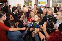 Inauguración del XVIII Salón Inmobiliario de Madrid, por la ministra de Fomento  desde el stand de SEPES.